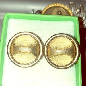 🔴2/$10 Signed Trifari Gold Tone Clips EUC
